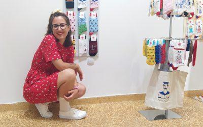 Women We Trust | Μια ωδή στις κάλτσες από τον Pablo Neruda και την Ξένια Βανικιώτη